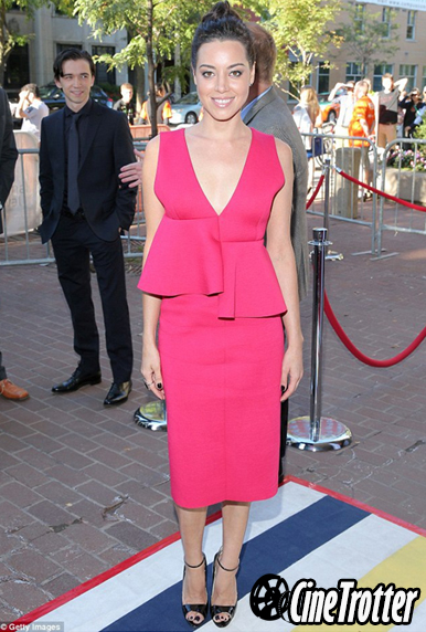 Aubrey Plaza in a Marni pink dress