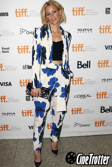 Elizabeth Banks in Chloe