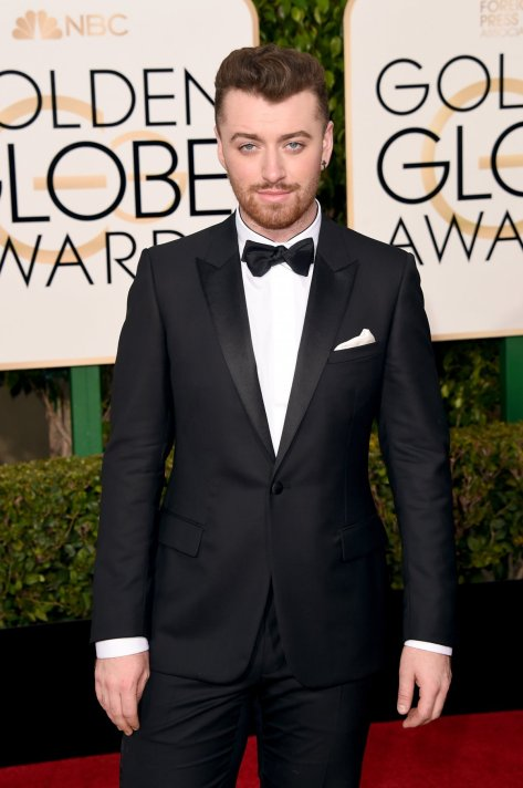 sam-smith-nailed-contemporary-black-tie-with-his-dior-homme-tuxedo